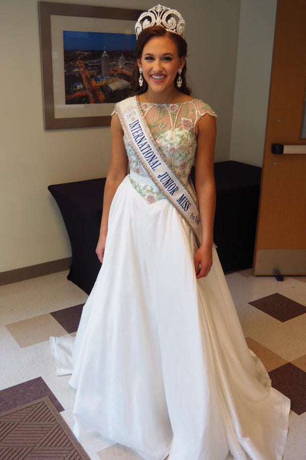 International Junior Miss PRETEEN 2015 - Crowning Gown