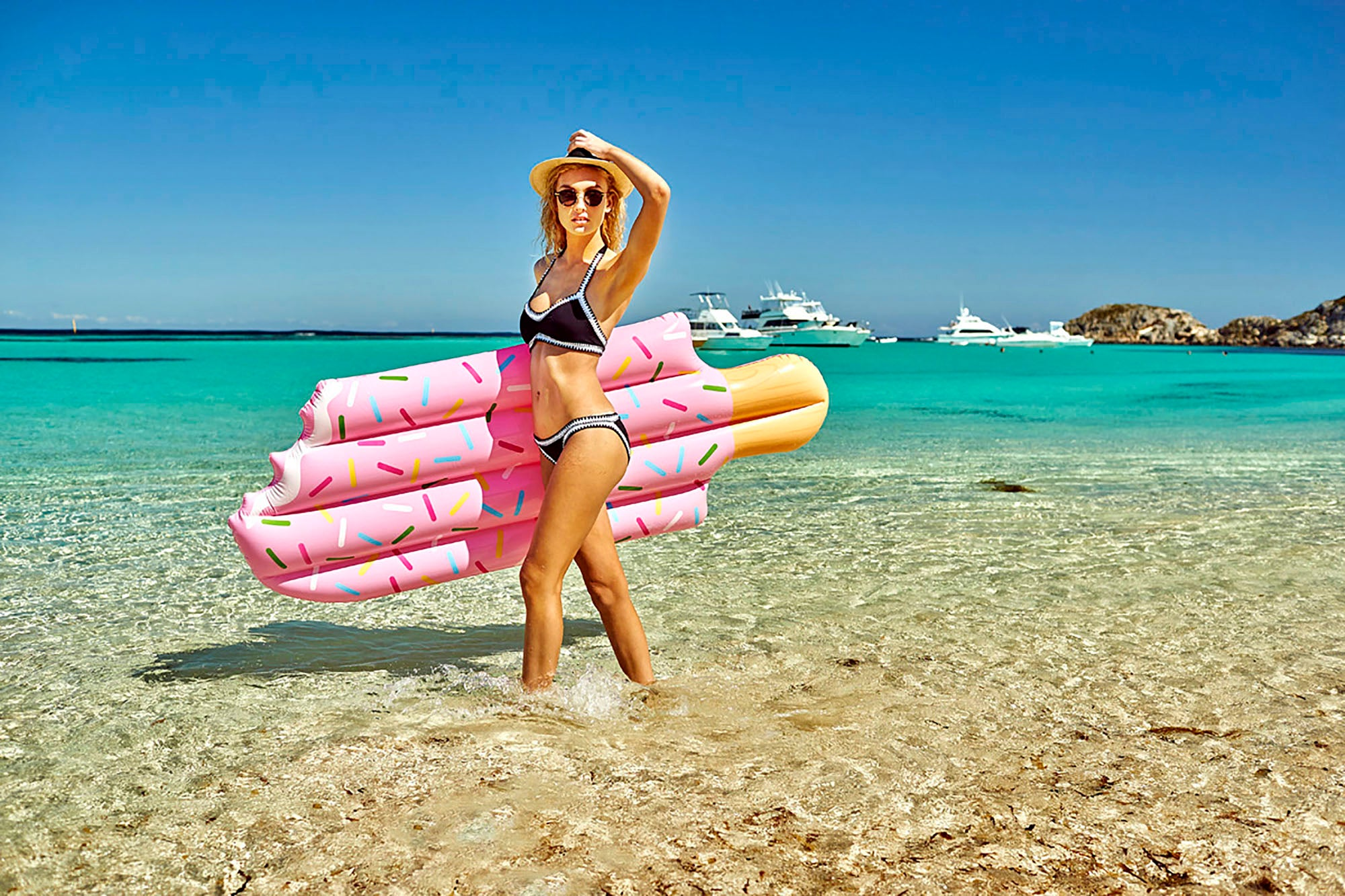 Ice Cream Pool Floats. Pink or Blue. - Chachi's Bay - kids rashies - kids swimwear - kids swim shoes - round towels - beach towels