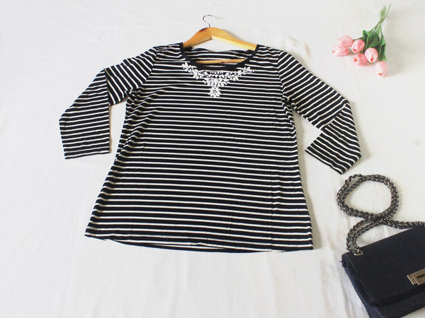 High Quality European Style Women Striped Long Sleeves with White Beads Accent (Navy Blue)