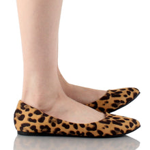 Load image into Gallery viewer, Bella Marie Angie-53 Women's Classic Pointy Toe Ballet Suede Flats Leopard 7.5 B