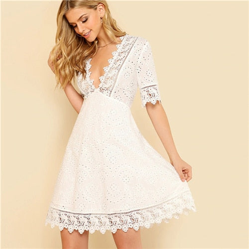 White V Neck Guipure Lace Trim Schiffy  Fit And Flare Boho Dress Women 2019 Summer Zipper Mini Vestidos Holiday Dresses