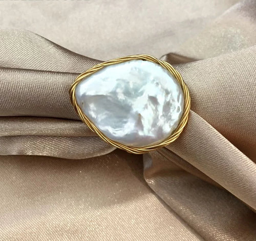 NEW Designer golden wire with big size baroque cultured freshwater coin pearls flat hand make ring white color for women gift