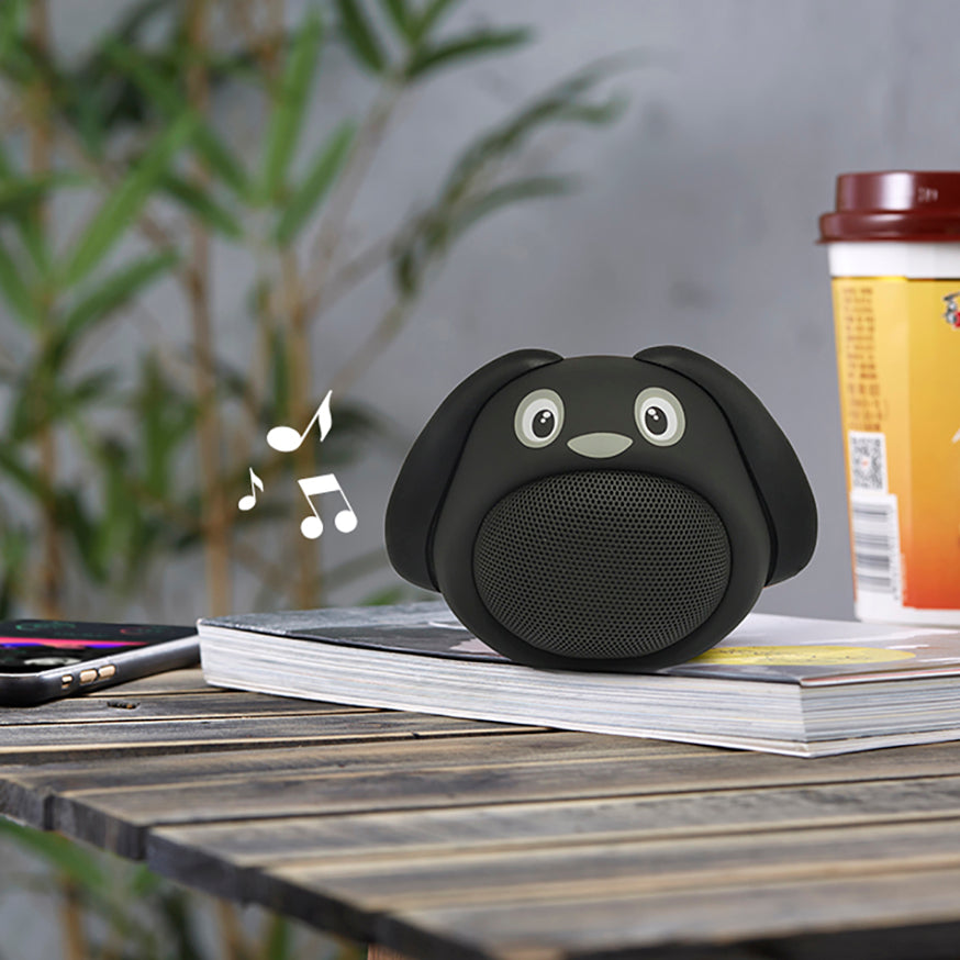 Black dog Bluetooth speaker