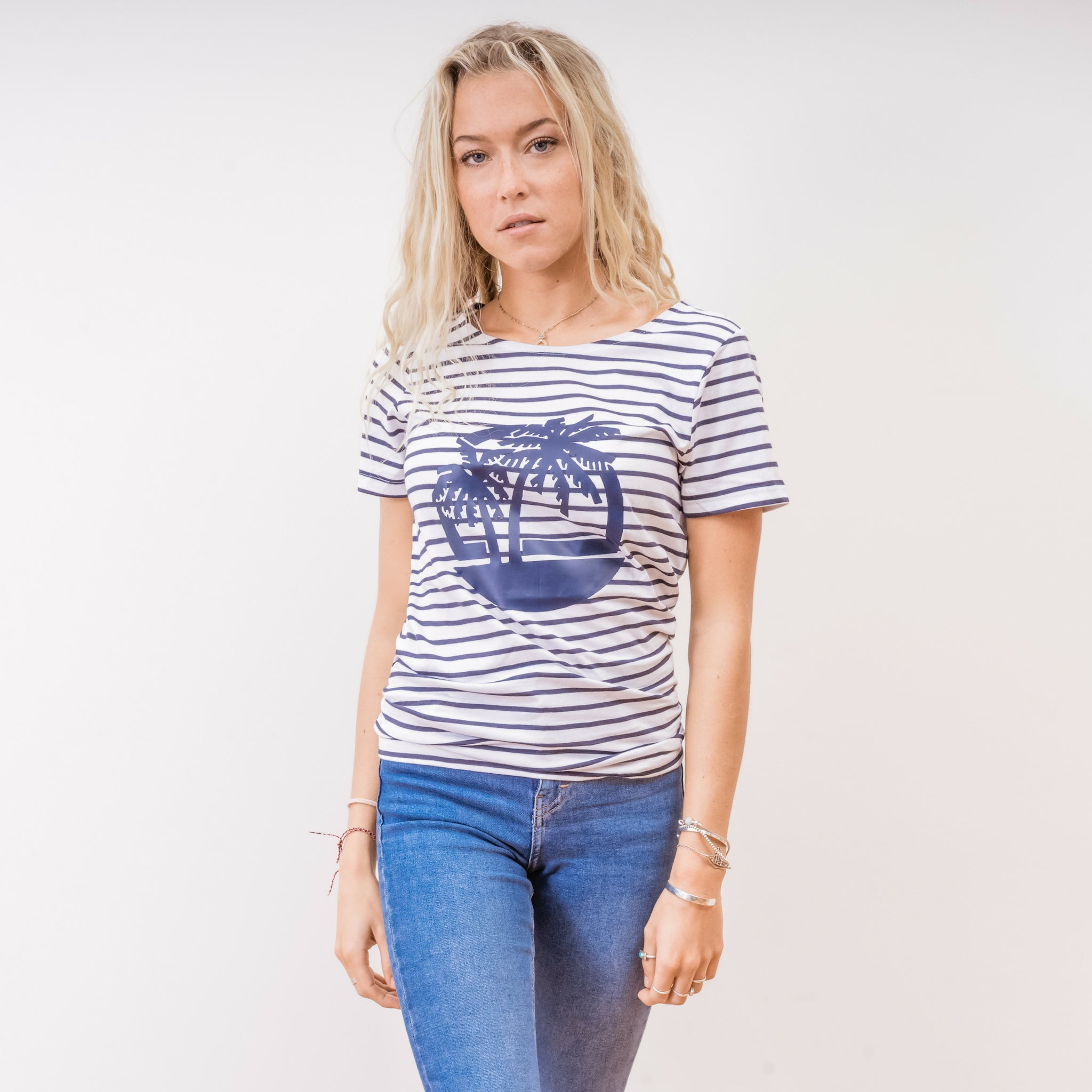 striped tshirt with beach motif