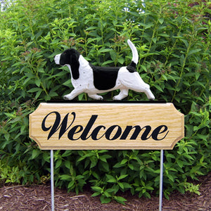Basset Hound DIG Welcome Stake - Michael Park, Woodcarver
