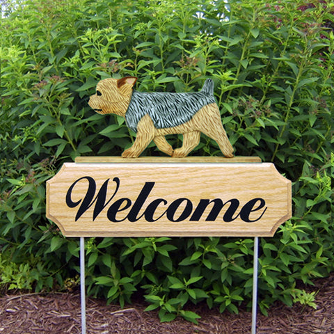 Yorkshire Terrier (Puppy Clip) DIG Welcome Stake - Michael Park, Woodcarver