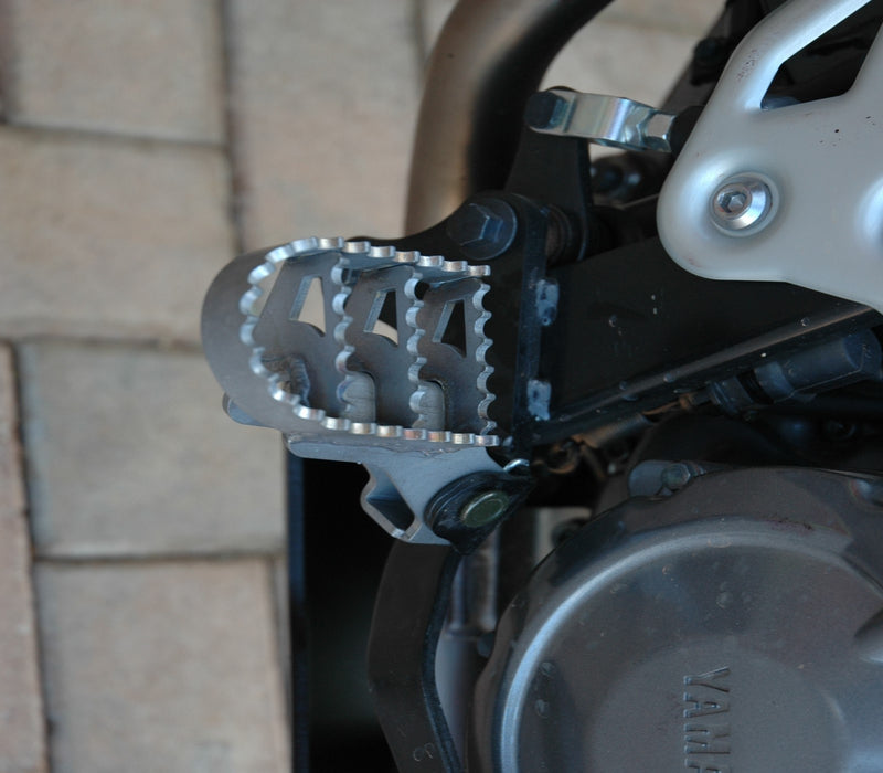 A070110 - Yamaha Wide Foot Pegs