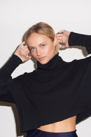 BALLOON SLEEVE RIB TURTLENECK | Black