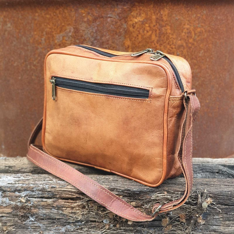 "Ryder 9"" Classic Leather Travel Zip Bag - The Leather Trading Co."