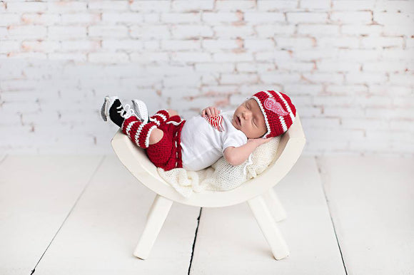 Red Wings Hockey Logo Baby Hat Pants Socks & Skates