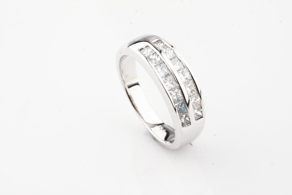Gorgeous 18k White Gold Diamond Band Ring TDW = 1.16 ct Size 6.5