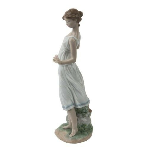 "Lladro ""Flowers for Goddess"" #7709 Young Girl in Toga with Flowers Retired!"
