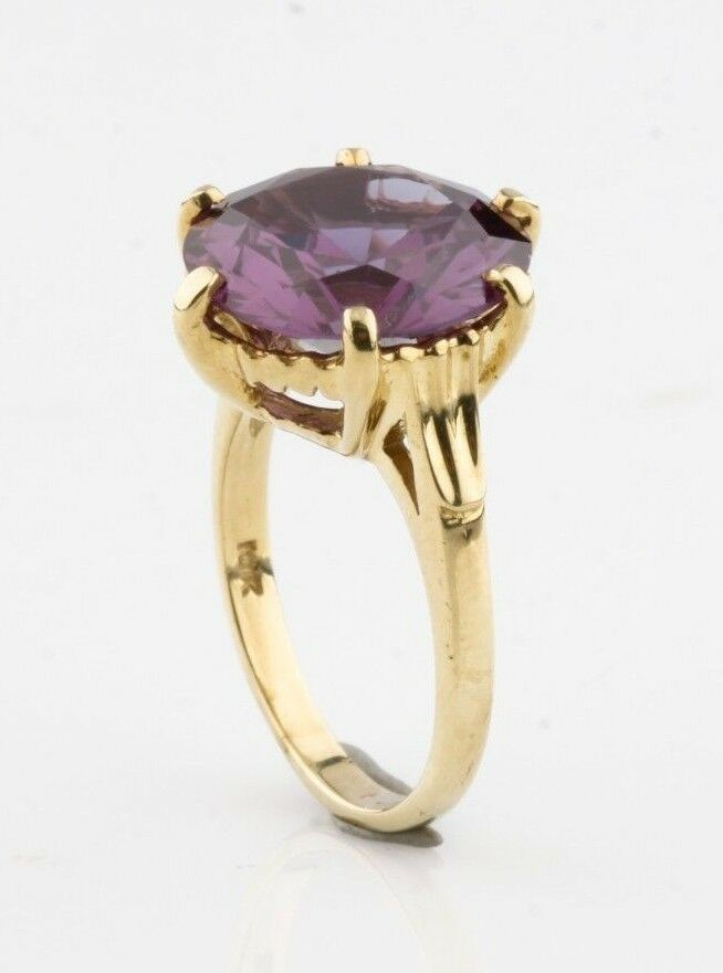 10k Yellow Gold Lab Created Color Change Sapphire Ring Sz 6.5 TSW = 10.50 ct