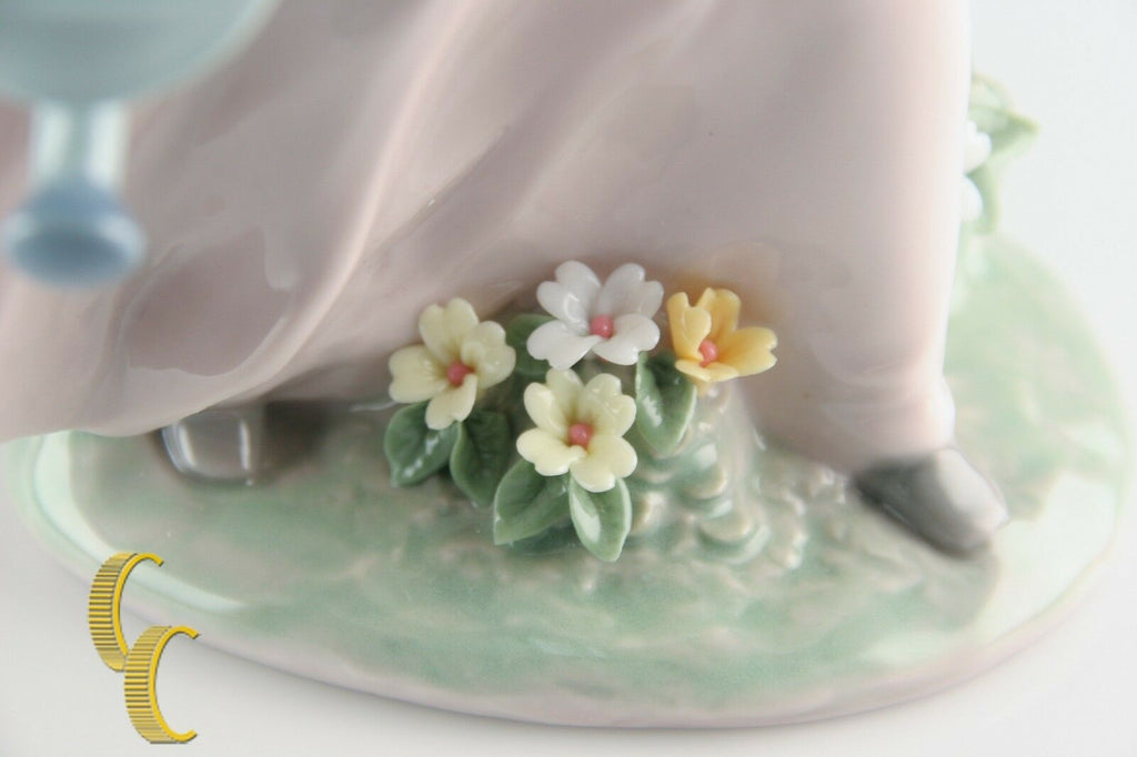 "LLADRO ""A Wish Come True"" 7676 Girl with Flowers and Watering Can Retired!"