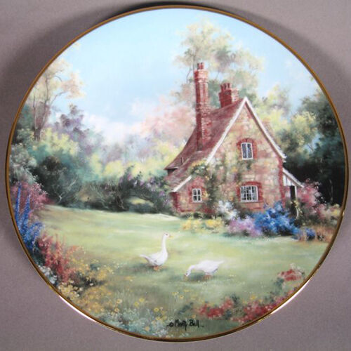 "Marty Bells ""The Gameskeeper Cottage"" collectors plate Rimmed w/23kt yellow gold"