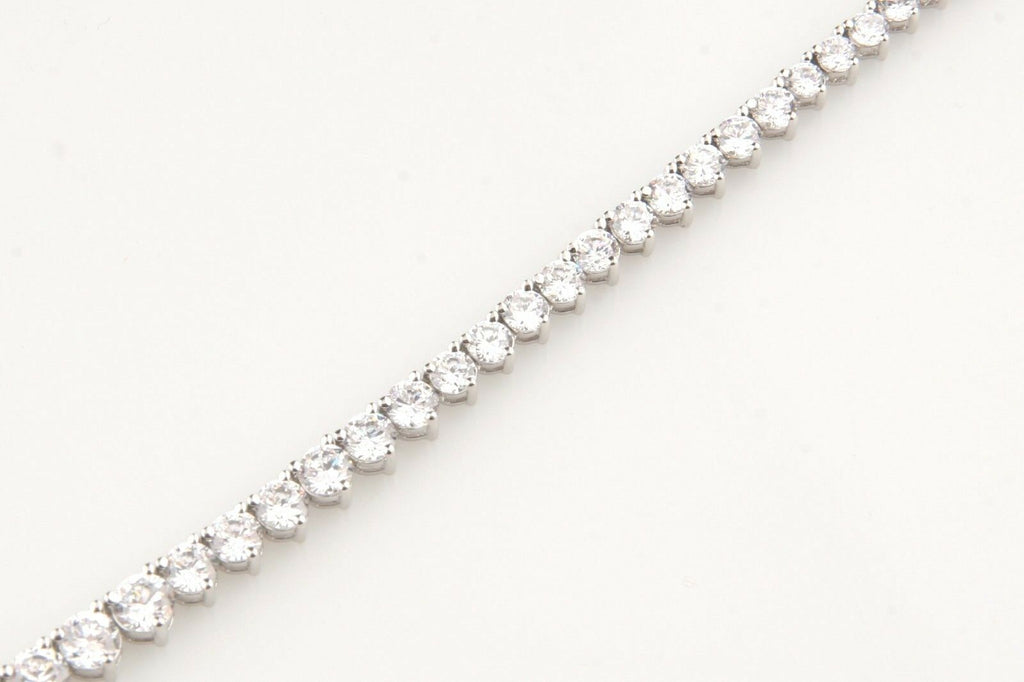 Gorgeous Graduated Rhodium Plated Silver Cubic Zirconia Tennis Necklace, Size 16