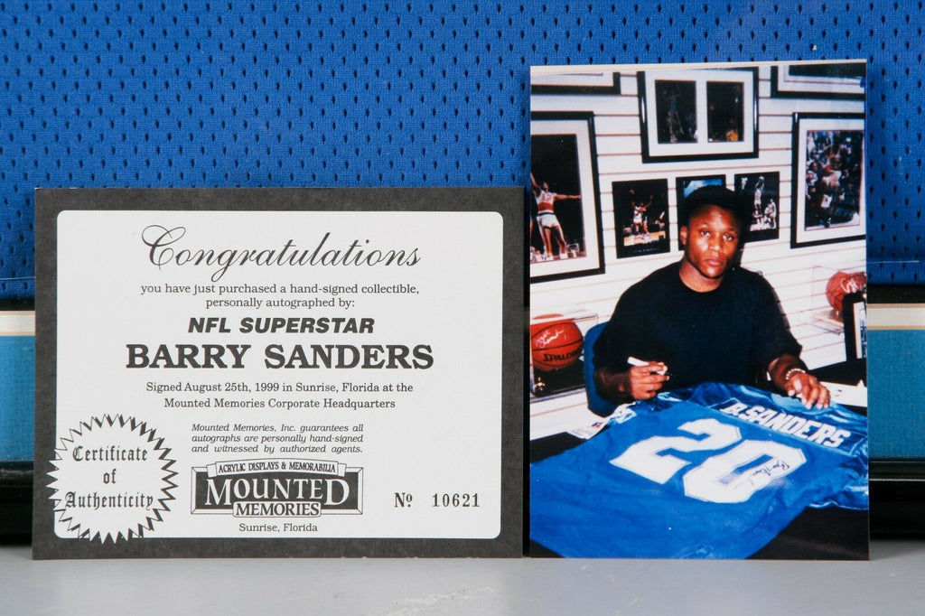 Framed Signed Barry Sanders Jersey w/ Mounted Memories CoA & Pic Great Condition