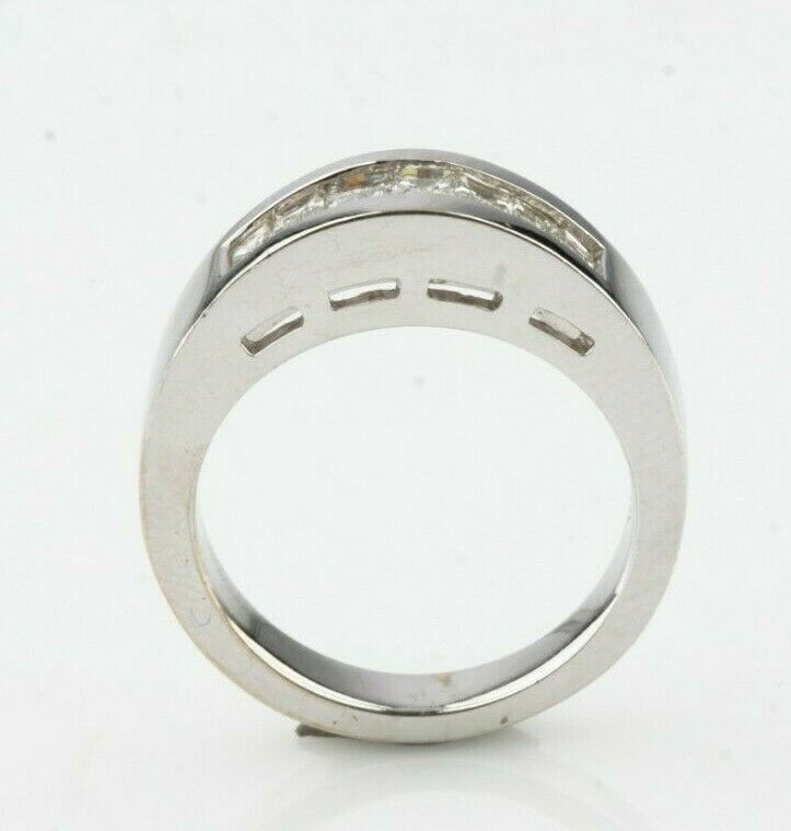 18k White Gold Men's Diamond Band Ring Size 6.75 Appx 1.0 Ct TDW