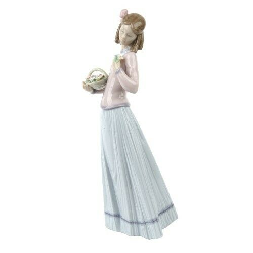 "Lladro #7644 ""Innocence in Bloom"" Young Woman with Ringlets and Flowers Retired!"