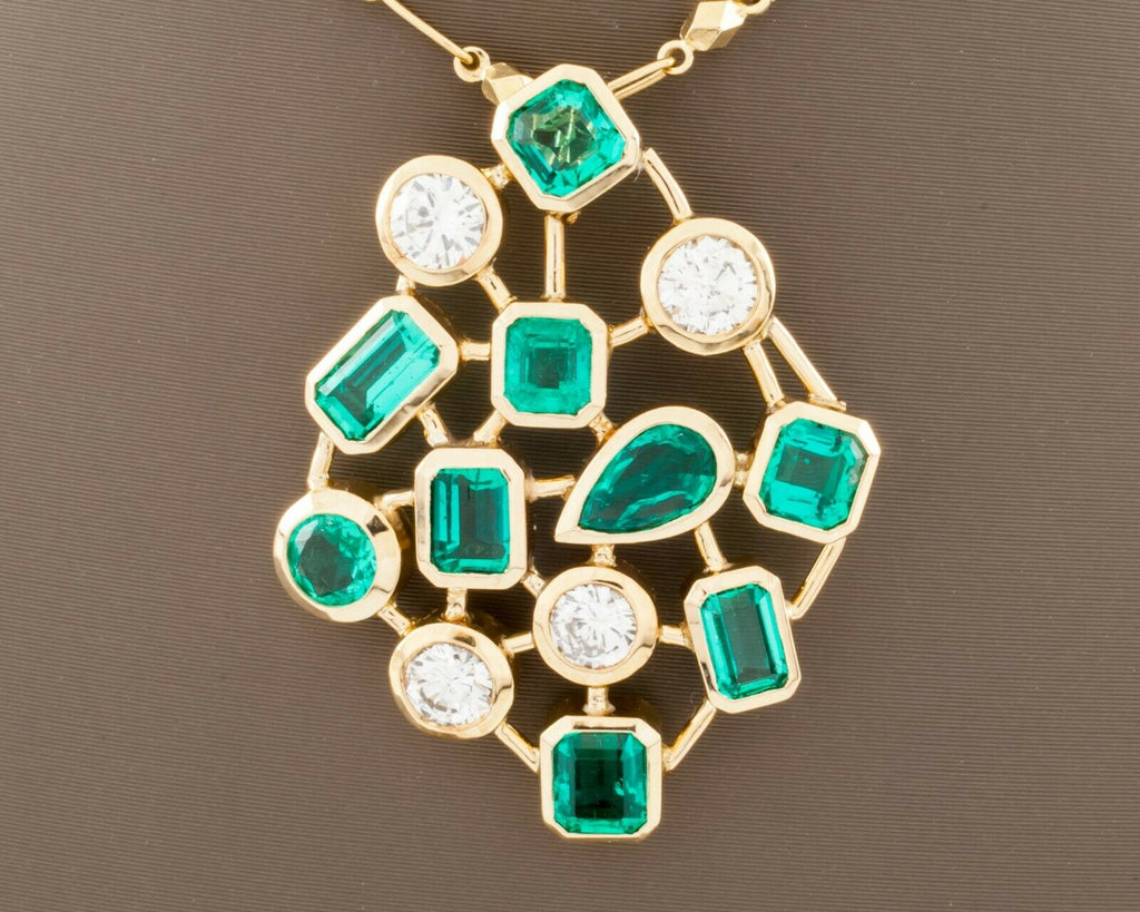 "18k Yellow Gold Bezel-Set Colombian Emerald and Diamond Pendant w/ 16"" Chain"