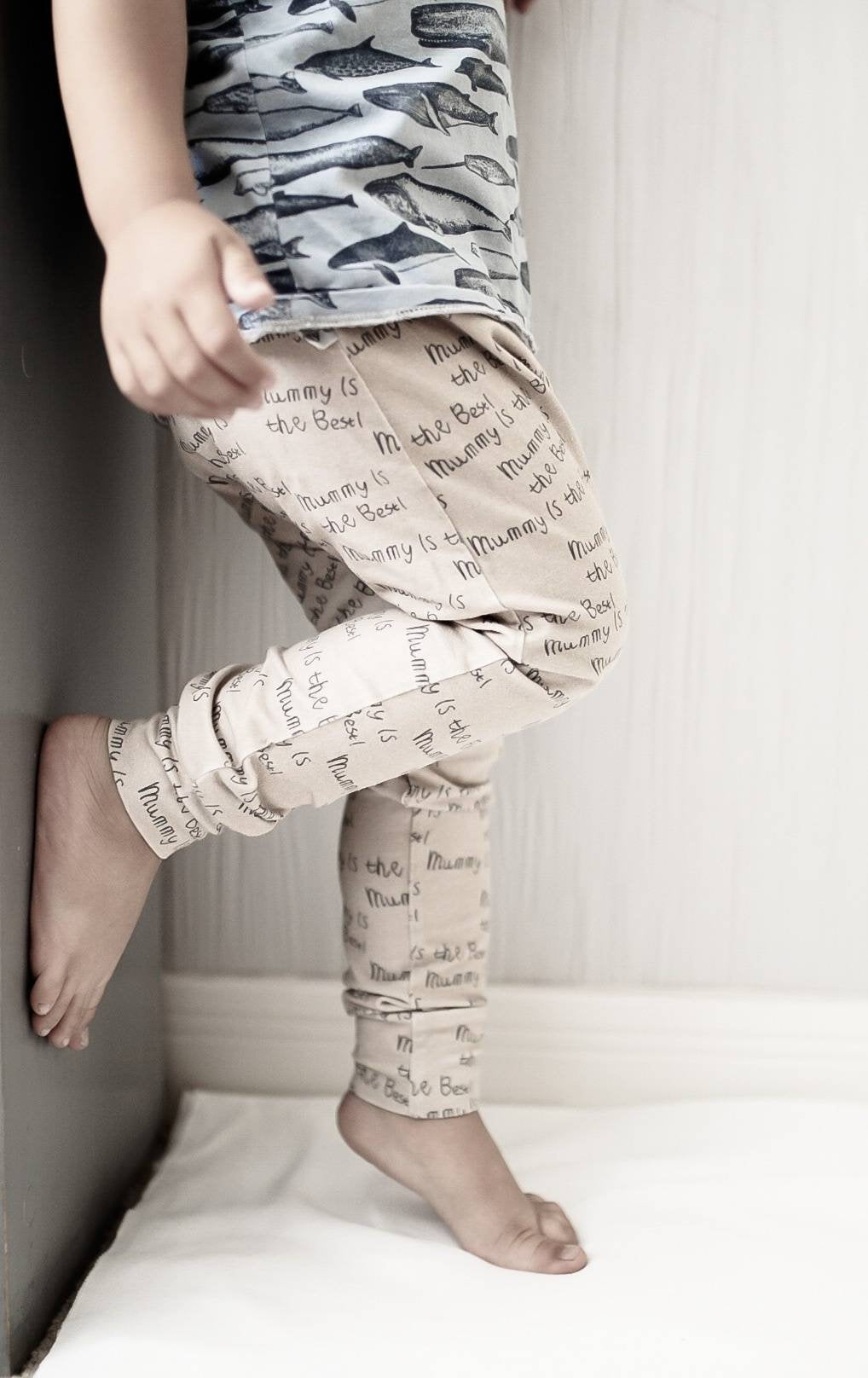 Mummy Is The Best Baby Leggings ~ Cappuccino