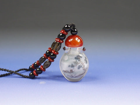 SC221 F16mm NATIVE QUARTZ INSIDE PAINTED SNUFF BOTTLE PENDENT