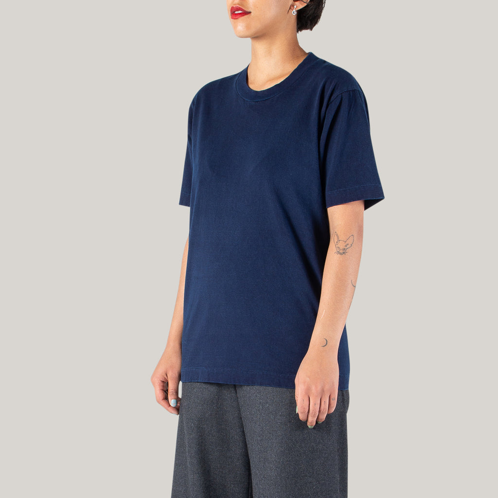 BLUE BLUE JAPAN UNISEX KNITTED INDIGO HAND DYED ZIMBABWE COTTON NARROW NECK SS T-SHIRT - INDIGO