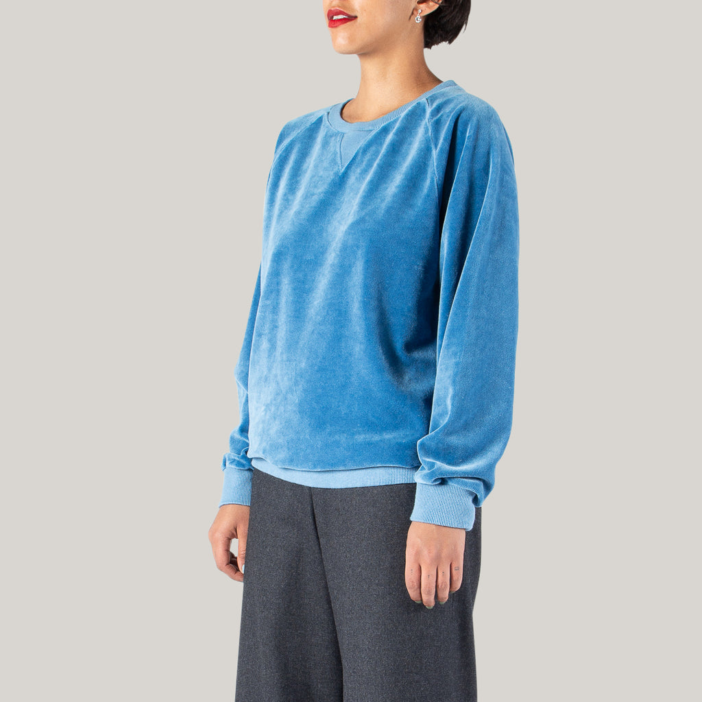 BLUE BLUE JAPAN WOVEN CRUSHED VELOUR RAGLAN SLEEVE CREW NECK LS PULLOVER - WASHED INDIGO