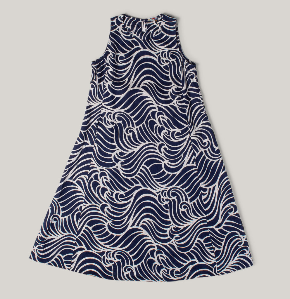 "BLUE BLUE JAPAN WOMEN'S INDIGO LINEN ""BASSEN"" SLEEVELESS DRESS - WAVE PATTERN"