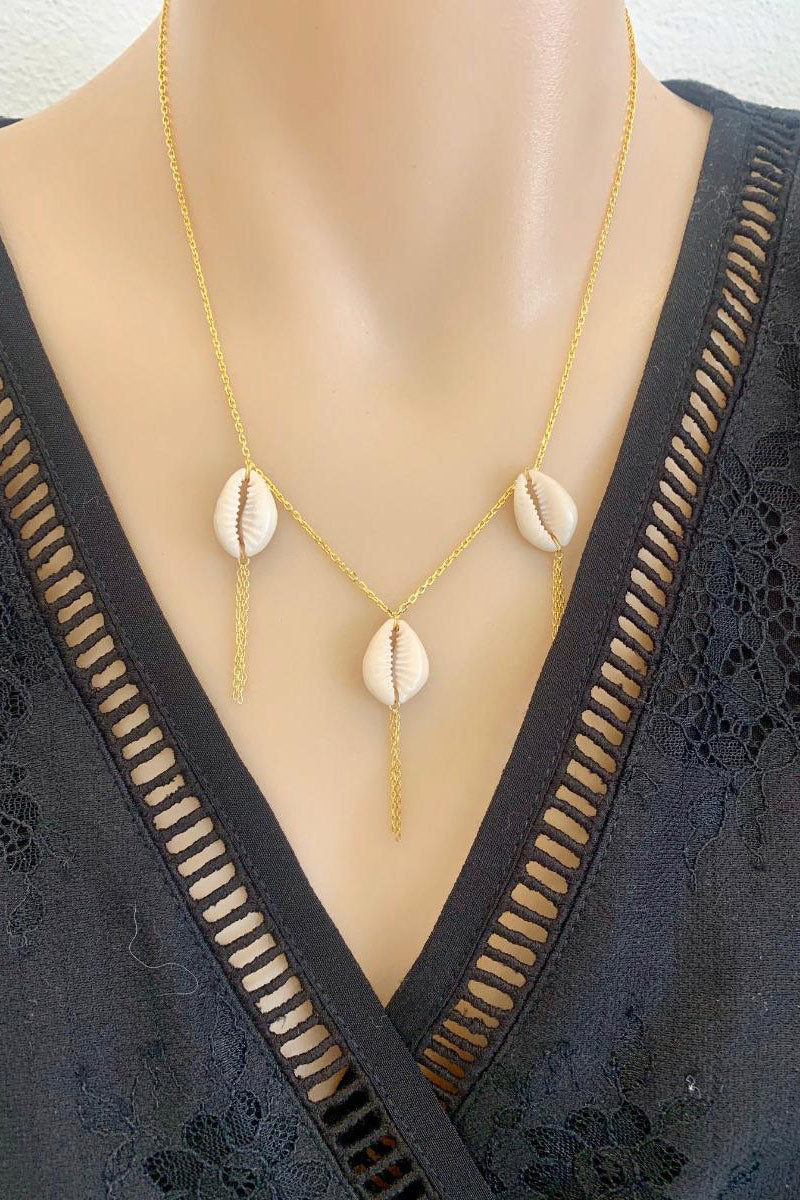Elysian Collective Narrabeen Hiraani Triple shell gold necklace