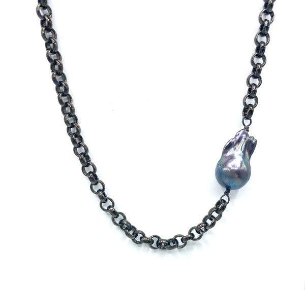 Single Black Baroque Pearl on Gun Metal Chain Necklace