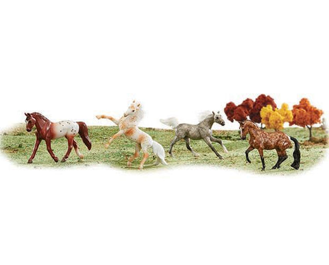 BREYER® STABLEMATES DAPPLES & DOTS SET