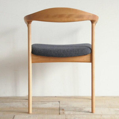 OMEGA ARM CHAIR