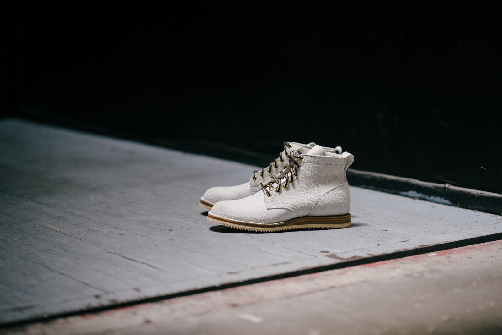 White Roughout Mini Ripple Boot.