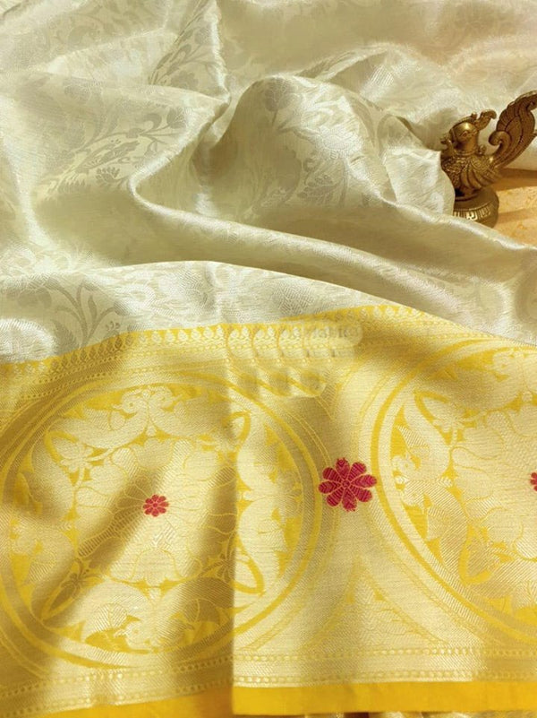 White Pure And Elegant Look Lichi Soft Silk Rich Pallu With Jacquard Blouse