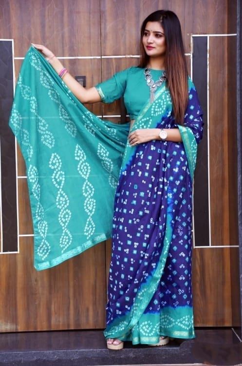 Awesome Heavy Waving Bandhani saree