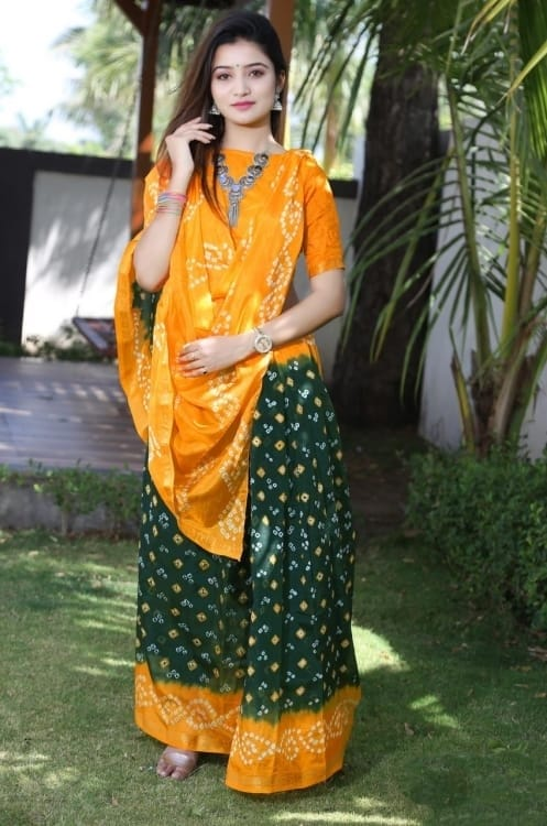 Unique Wear Heavy Waving Bandhani saree