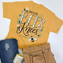 Load image into Gallery viewer, Southernology Bees Knees Short Sleeve T-shirt