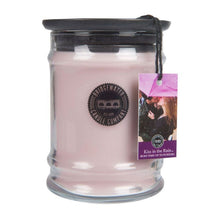 Load image into Gallery viewer, Bridgewater Candle Company Kiss in the Rain Small Jar Candle