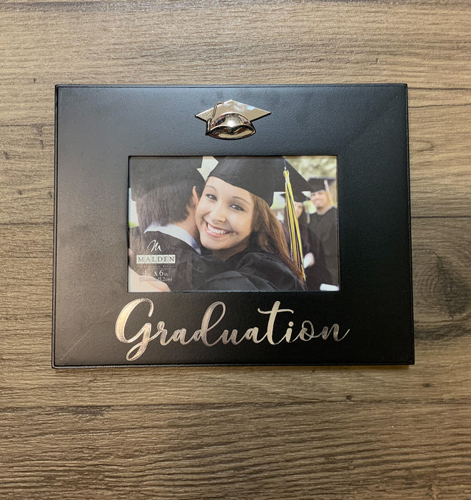 MALDEN INTERNATIONAL DESIGNS GRADUATION CAP FRAME