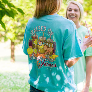 ITS A GIRL THING SWEET TEA AND JESUS SHORT SLEEVE T-SHIRT