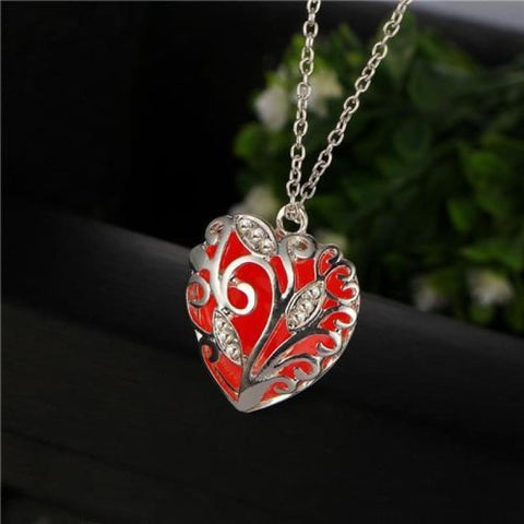 Festoon Heart Pendant Luminous Glow Necklace - Red - Custom Made | Free Shipping