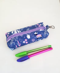 Thin Pencil pouch sewing tutorial by Alison on Loreleijayne.com adorable pouch sewing pattern