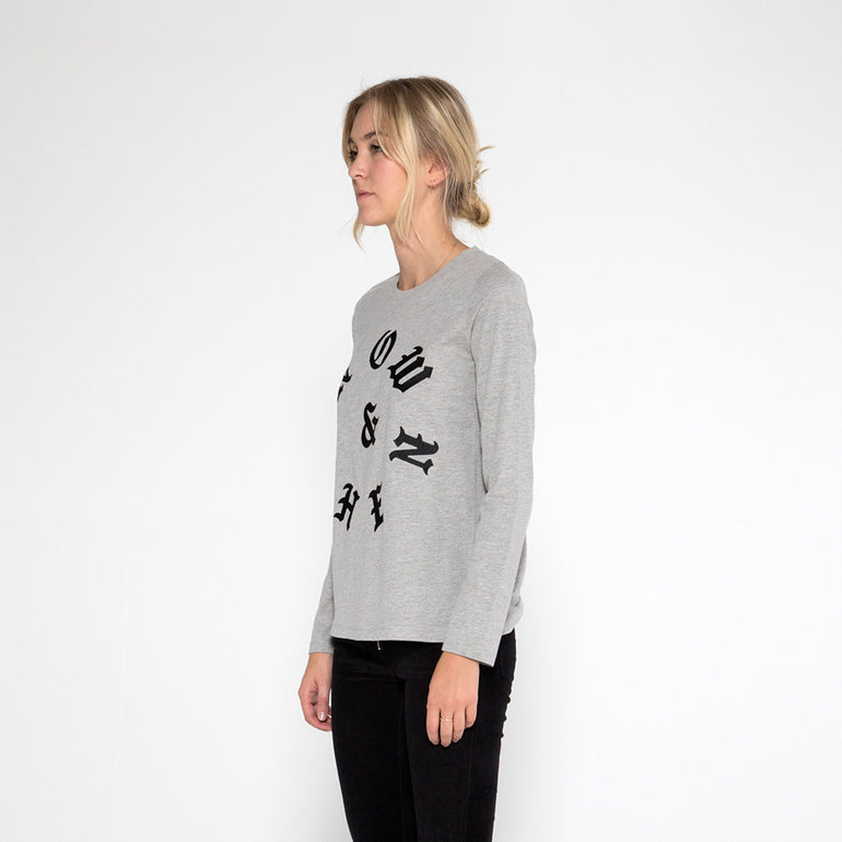 Now & Then Daily L/S Tee / Old English in Grey Marle