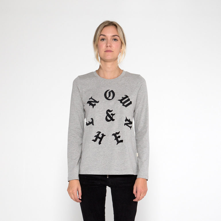 Now & Then Daily L/S Tee / Old English - Grey Marle