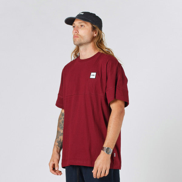 Lower Drop Tee / LOW in Maroon