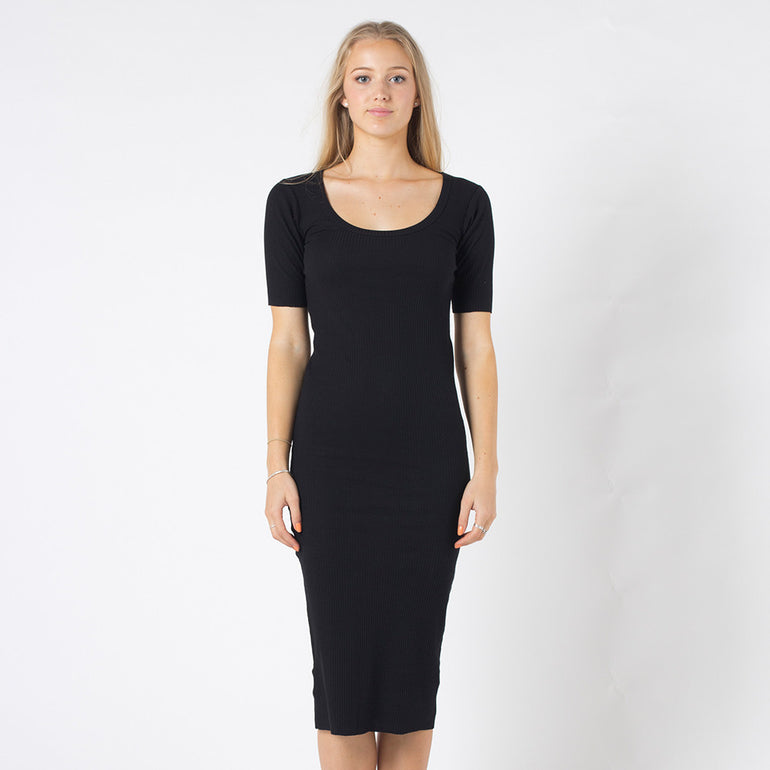 Five Each Back Keyhole Dress - Black