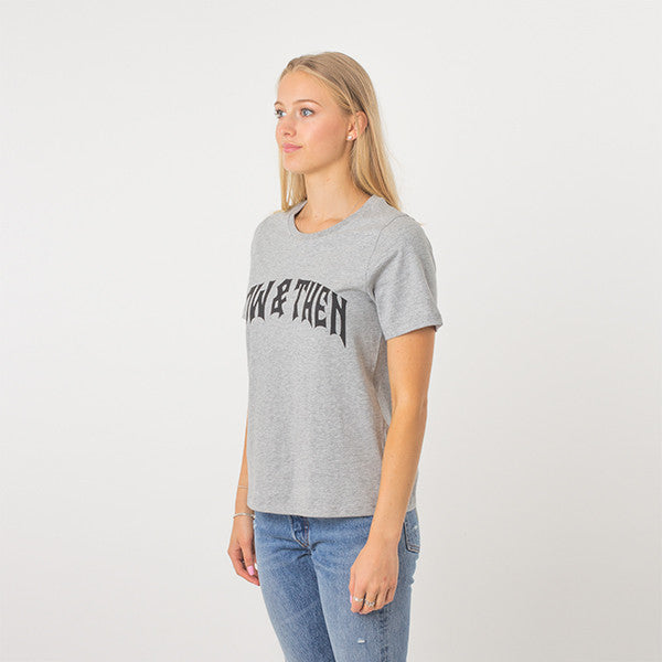 Now & Then Daily Tee / Cherish in Grey