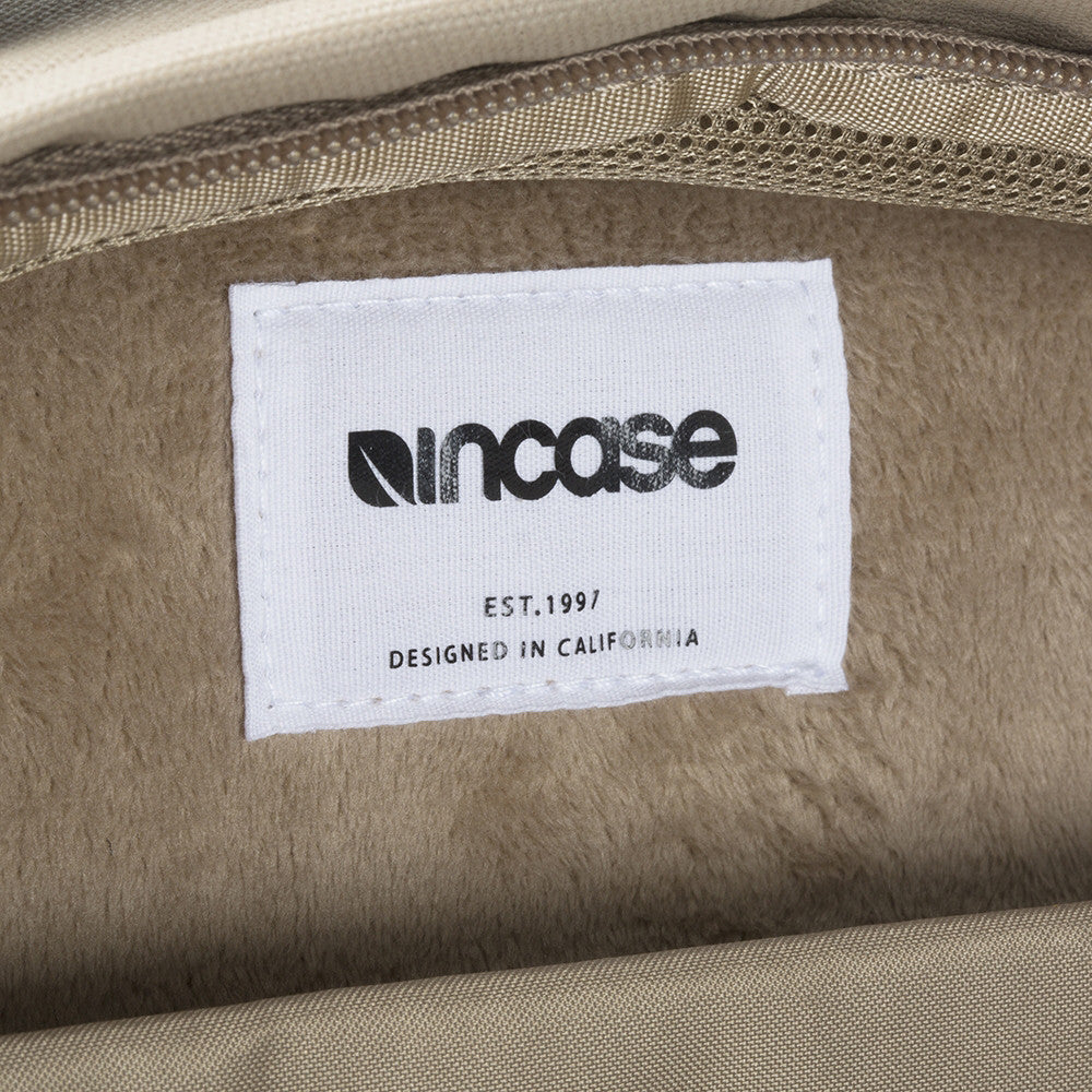 Incase / Compact Backpack Dark Khaki