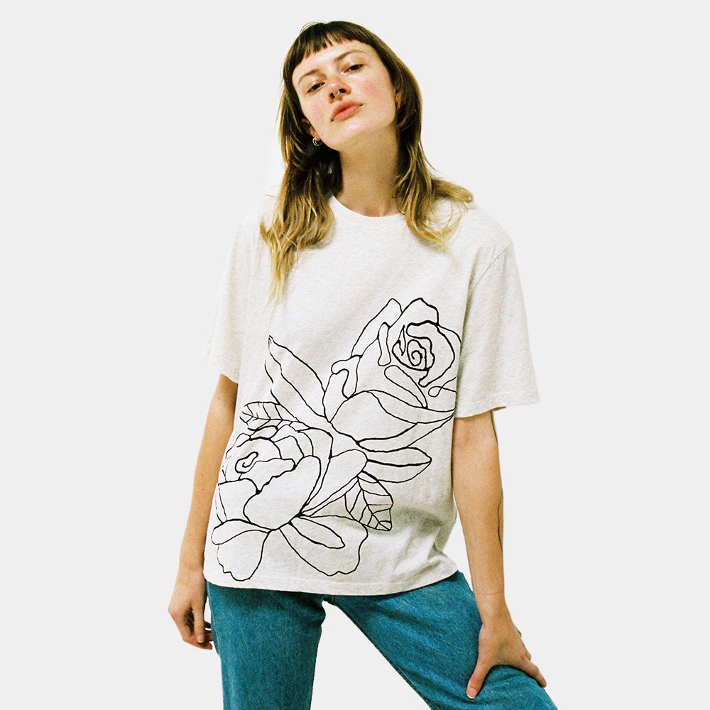 Lonely Tee Rose in Oat